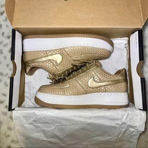 🔥NIB Nike Metallic Gold AFI Premium Upstep size 8
